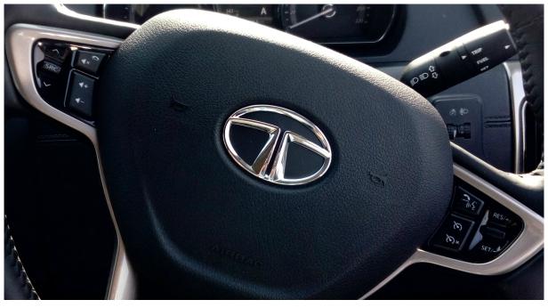 tata-hexa-steering